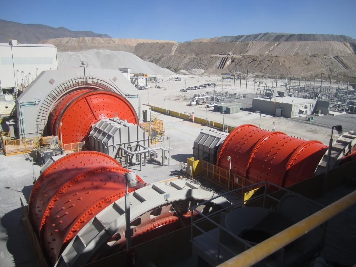 Шаровые мельницы –производственный участок измельчения (Мексика, «Gold Corporation»)