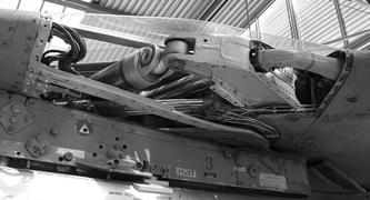 Механизм, изменяющий стреловидность крыла истребителя МиГ-23