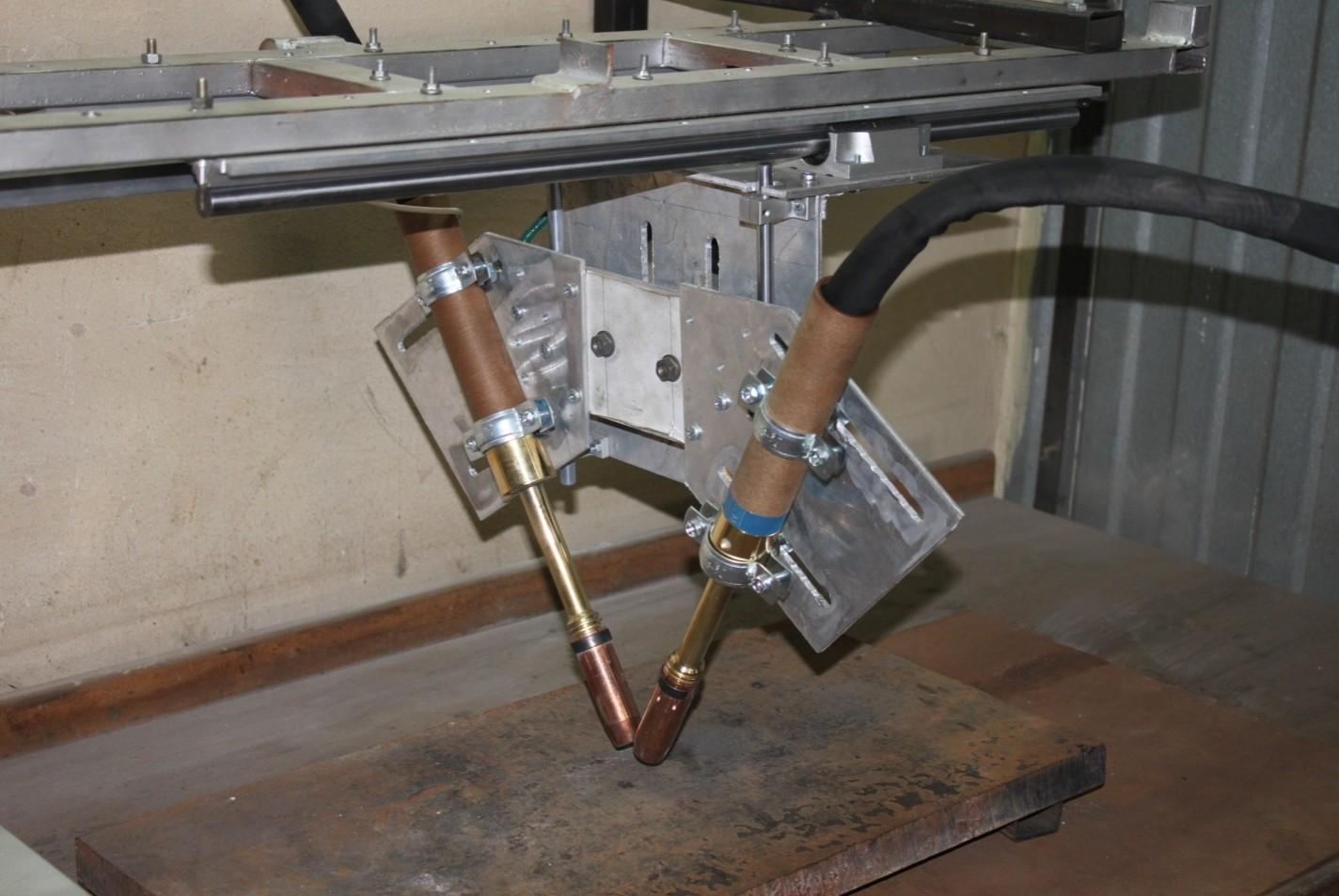 Установка для автоматической двухдуговой наплавки