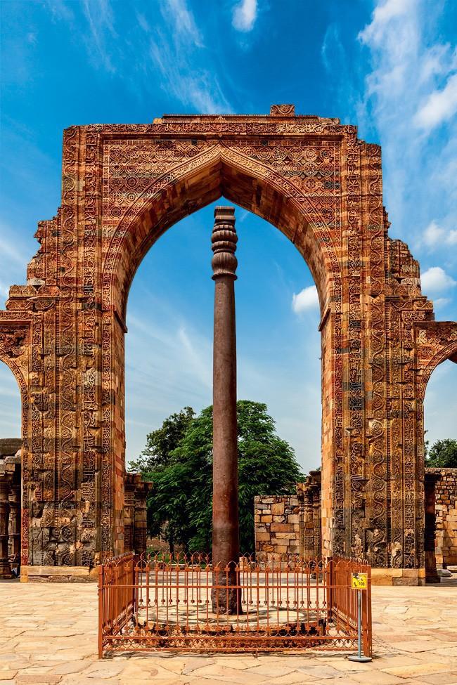 Железная колонна в Дели (Индия)