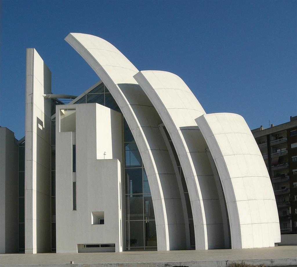 Церковь Dives in Misericordia, построенная из бетона с добавками наночастиц диоксида титана