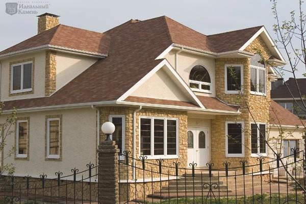 Применение искусственного камня для фасада коттеджей