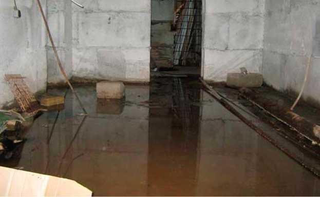 Затопление подвала вследствие неправильного оборудования дренажной системы на этапе строительства