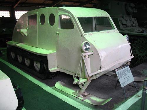Первая модель B-12, 1942
