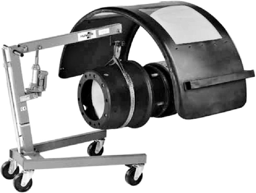 Стреловой кран для замены составляющих тормозной системы