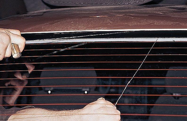 Срезание стекла с помощью струны