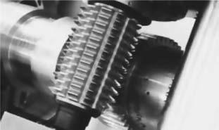 Фрезерование зубьев червячными фрезами по методу обката