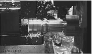 Нарезание резьбы на диаметре, прилегающем к шпинделю