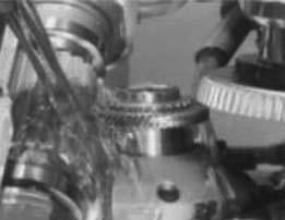 Одновременная обработка двух венцов блока колес червячной фрезой и долбяком на станках типа Shobber