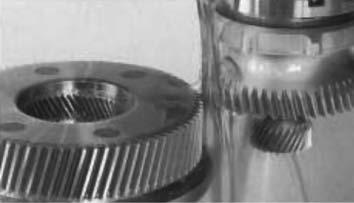 Последовательная обработка зубодолблением колеса с наружными и внутренними зубьями за один установ