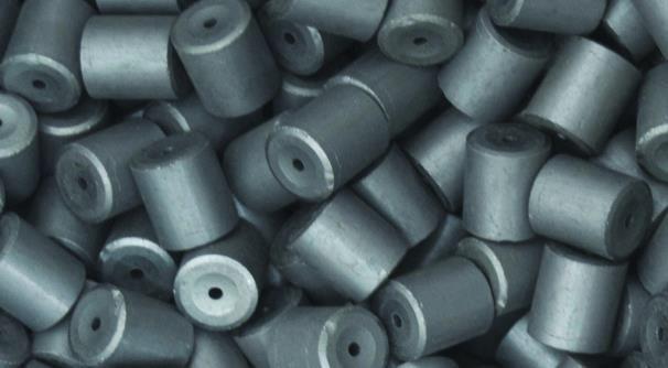 неактивированные «таблетки» из спрессованного оксида урана
