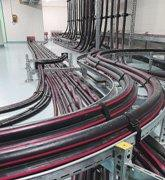 Прокладка кабелей на эстакадах в лотках