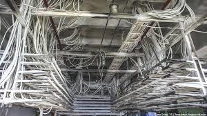 Прокладка кабеля по кабельному полуэтажу