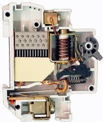 Устройство автоматического выключателя ВА 04-36