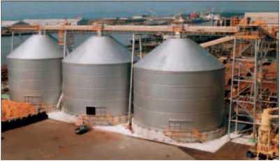 Бункерные сооружения на заводе по выпуску MDF
