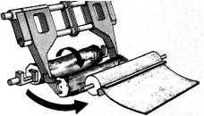 передача чурака в лущильный станок