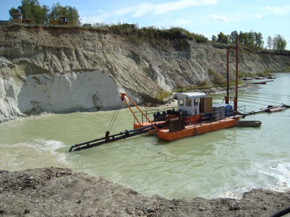 Земснаряд (баржа) для землесосный разработки грунта