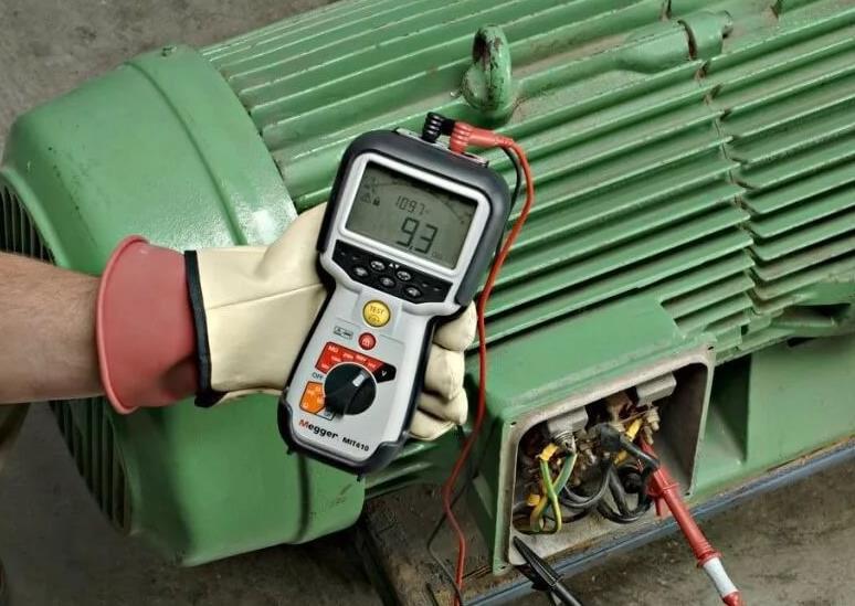 Проверка напряжения электродвигателя